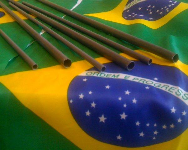 Tubetes para haste de bandeiras de mão